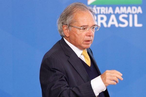 Paulo Guedes, ministro da econômia durante lançamento do Programa Gigantes do Asfalto no palácio do Planalto