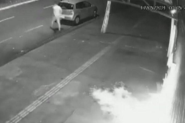 goias homem ateia fogo em distribuidora de bebidas