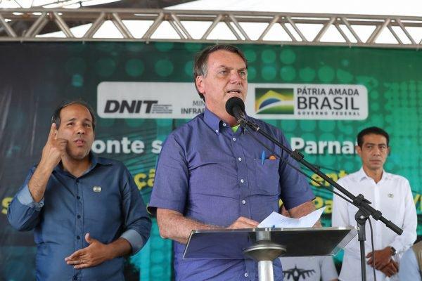 Bolsonaro discursando