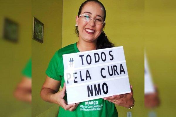 A enfermeira Paula Papa Sales, que aguarda há 7 meses por remédio de alto custo no DF