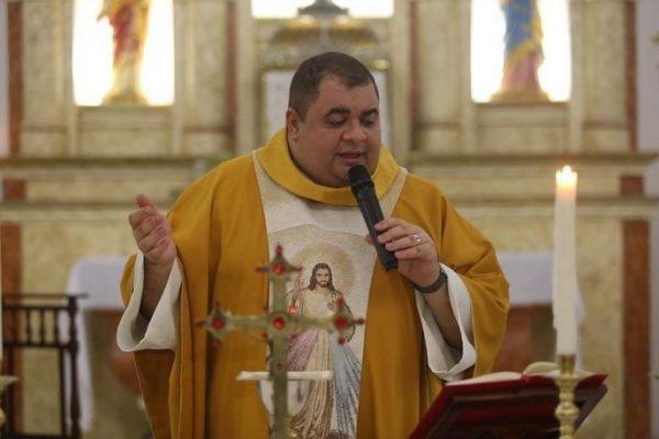 Padre, de 33 anos, morre por complicações da Covid-19 na Paraíba