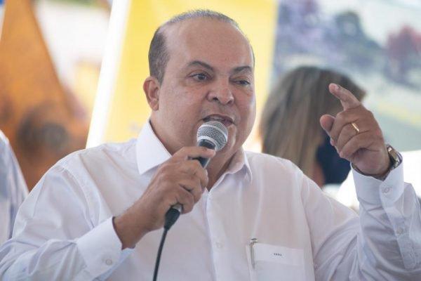 Ibaneis assina ordem de serviço da requalificação da Av. Hélio Prates