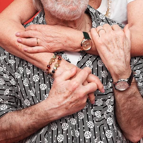 Casal em campanha de Dia dos Namorados da Dolce & Gabbana