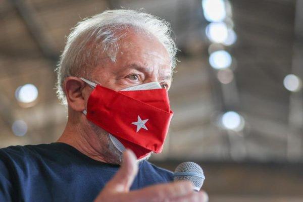 Lula em fábrica em São Paulo