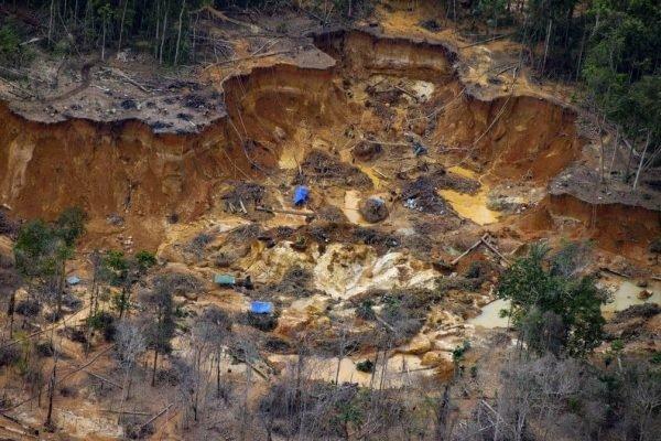 Garimpo, Covid e ataques: povo Yanomami vive sob tensão e violência