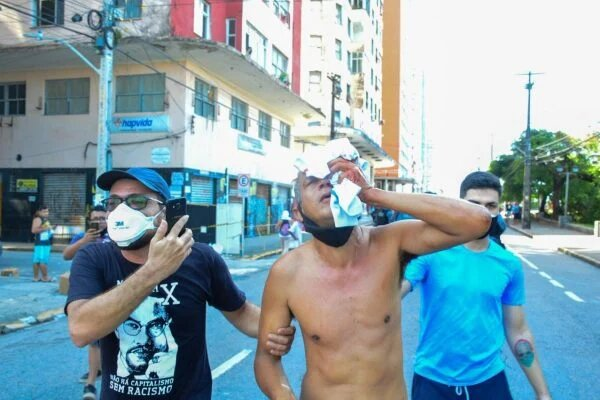 Daniel Campelo, 51 anos, perdeu a visão após ser atingido por uma bala de borracha durante manifestação anti-Bolsonaro em Recife (PE)