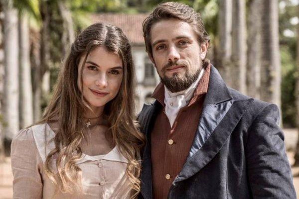Rafael Cardoso e Aline Moraes em Além do Tempo