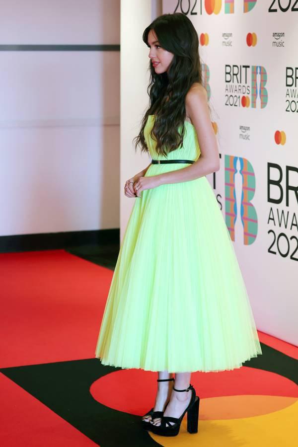 Olivia Rodrigo em 2021, no tapete vermelho do BRIT Awards 2021
