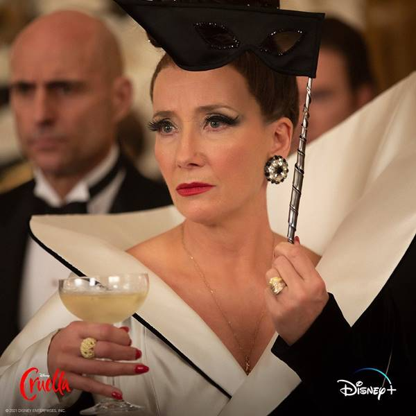 Trecho do filme Cruella com Emma Thompson