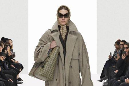 Look da Balenciaga na coleção primavera/verão 2022 intitulada Clone