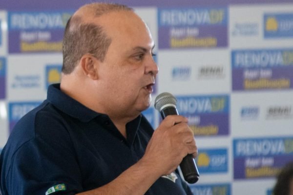 O governador Ibaneis Rocha lança o programa Renova-DF, em Samambaia0