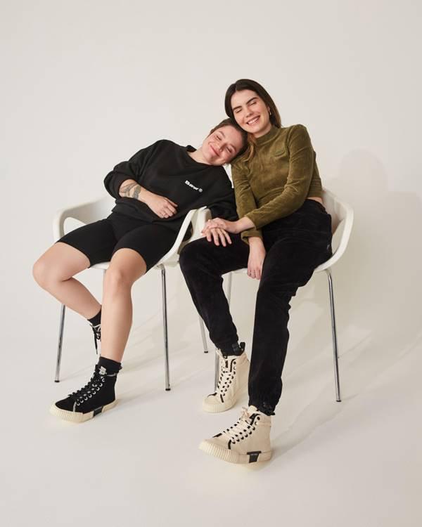 Casal em campanha de Dia dos Namorados 2021 da Fiever