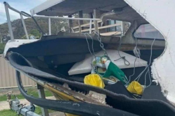 Jovem é esmagado por baleia durante pescaria