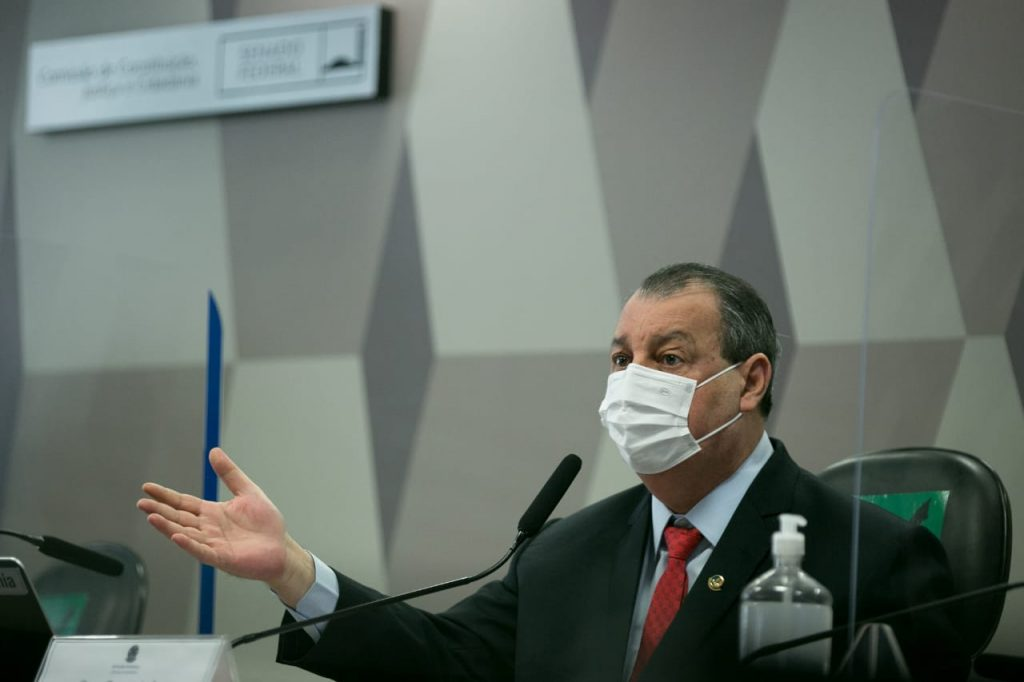 Senador Omar Aziz, presidente da CPI