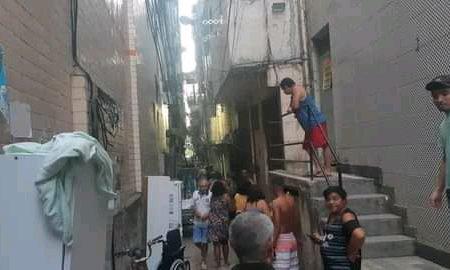 Bombeiros acionados por ameaça de desabamento de prédio em Rio das Pedras