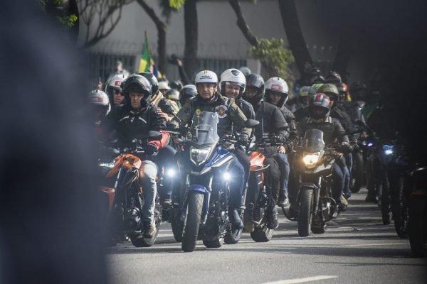 Presidente Jair Bolsonaro participa de motociata em SP
