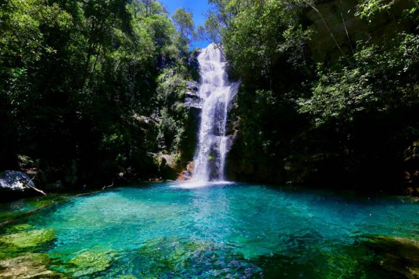 Cachoeira Santa Bárbara, no sítio kalunga, em Goiás, na região da Chapada dos Veadeiros