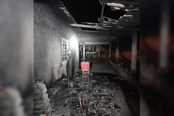 Casa incendiada por Lázaro Sousa