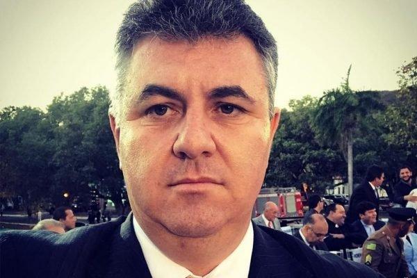 Empresário e jornalista Carlos Bueno, de 48 anos, que morreu de Covid em Goiás