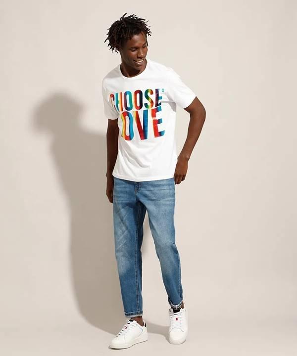 Camiseta da coleção Pride da C&A