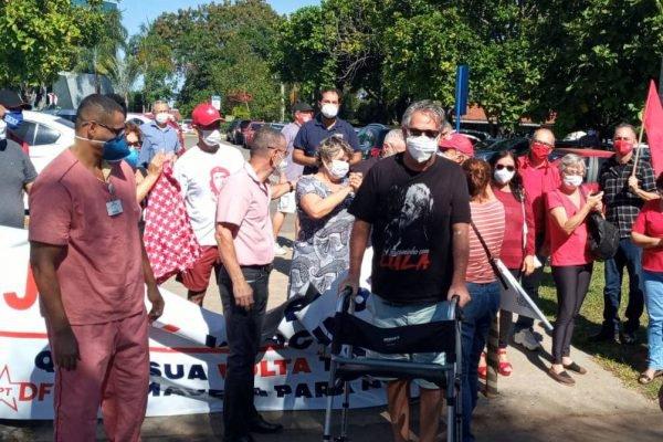 Jacy Afonso recebe alta de hospital após a Covid-19