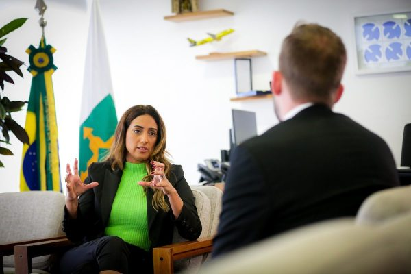 Caio Barbieri entrevista a Ministra Flávia Arruda - Foto: Gustavo Moreno/Especial Metrópoles