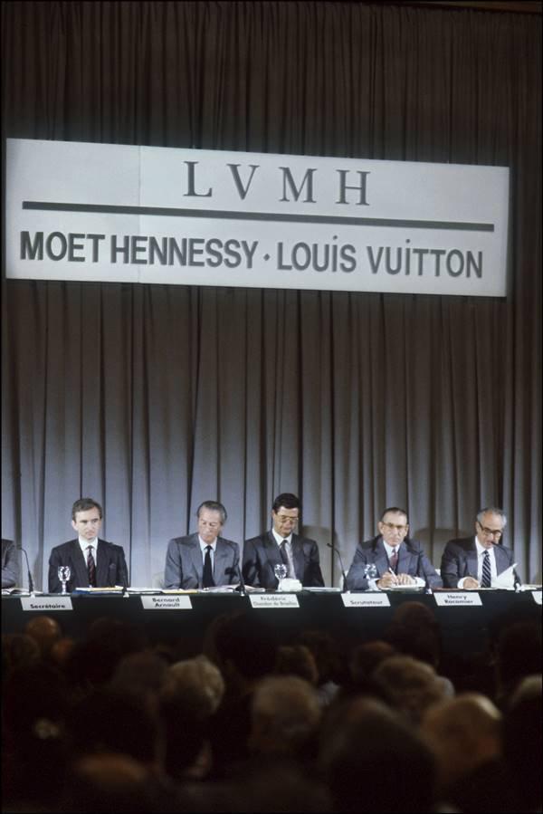Bernard Arnault em assembleia da LVMH em 1989