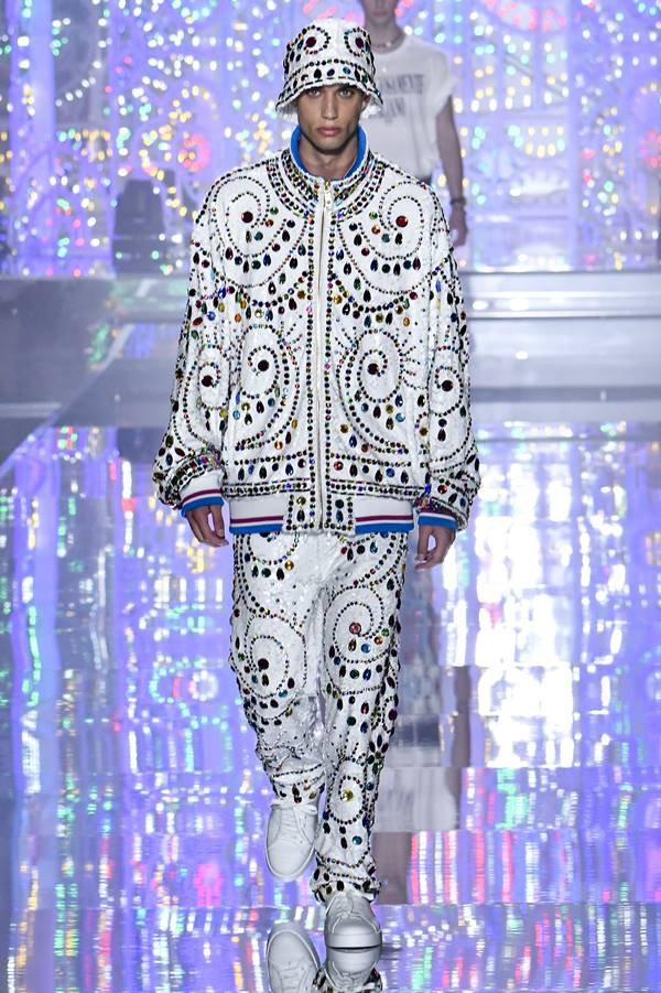 Look da coleção masculina de primavera/verão 2022 da Dolce & Gabbana