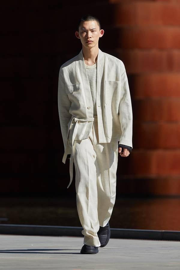 Look da coleção masculina de primavera/verão 2022 da Ermenegildo Zegna