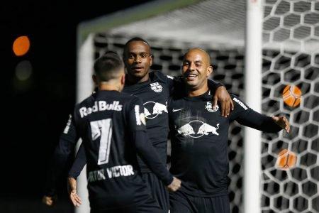 Bragantino derrota Palmeiras por 3 x 1