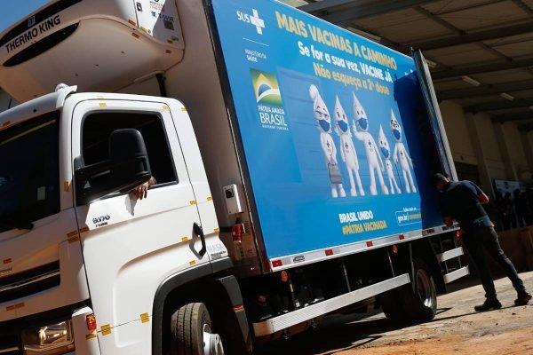 chegada do 1º lote da vacina da janssen em goiás
