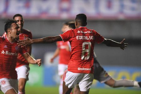 Internacional encara o Palmeiras nesta quarta