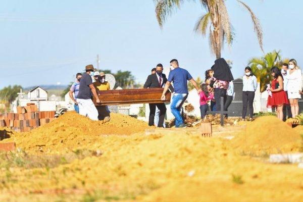 Enterro de Lázaro Barbosa, no Entorno do DF
