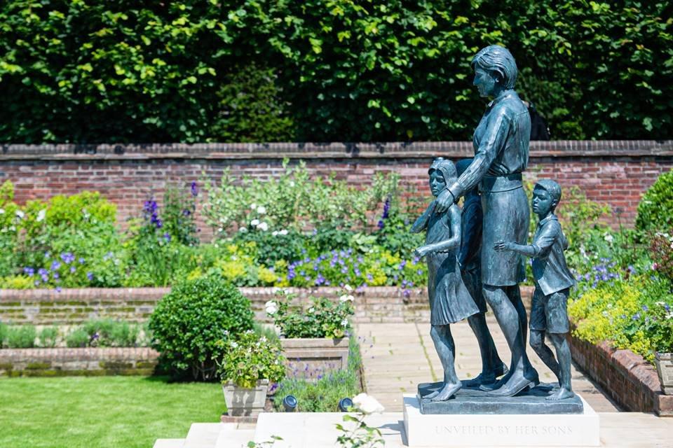 Estátua princesa Diana