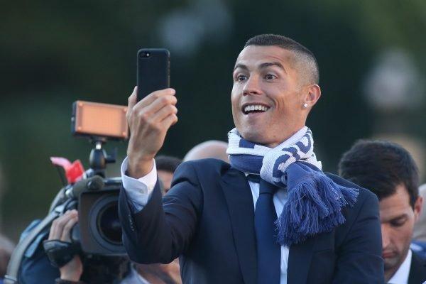 Cristiano Ronaldo celular selfie