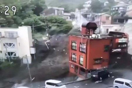 Deslizamentos em Atami, no Japão