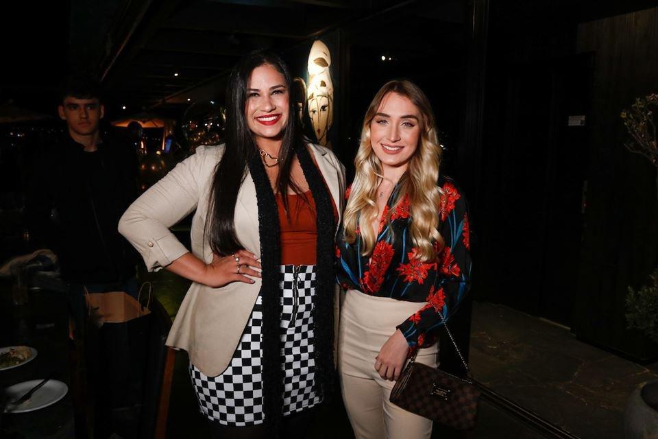 Nathália Vaz e Evillyn Barcelos