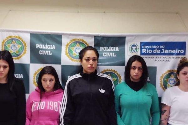 As estelionatárias Mariana Serrano, Gabriela Vieira, Rayane Sousa, Anna Carolinas e Yasmin Navarro (1)