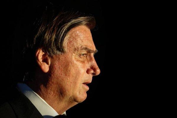 Presidente Jair Bolsonaro fala com a imprensa após o encontro com presidente do STF Luiz Fux 2