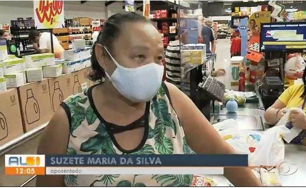 Dona Suzete chorando no mercado por causa da inflação e da alta dos alimentos