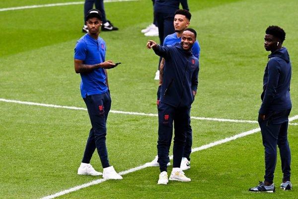 Jogadores da Inglaterra alvos de racismo