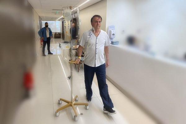 Bolsonaro corredor hospital