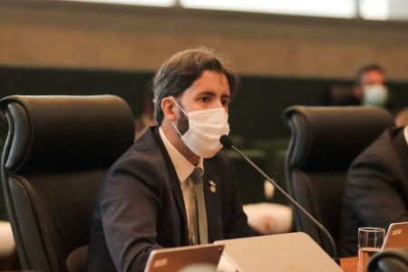 Deputado distrital Leandro Grass