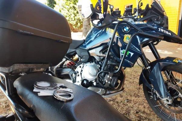 Homem tenta furtar a própria moto, depois que ela foi apreendida pela PRF