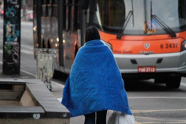 Cidade de São Paulo registra manhã fria nesta terça-feira (20/7)