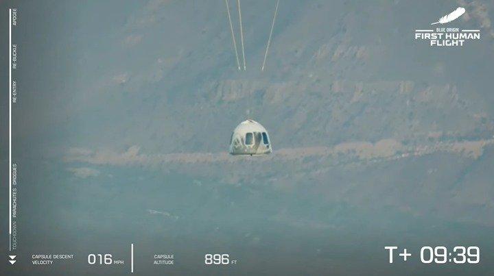 Homem mais rico do mundo, Jeff Bezos viaja ao espaço