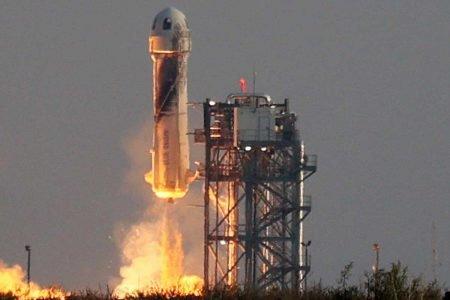 Veja imagens do voo de Jeff Bezos ao espaço no foguete New Shepard