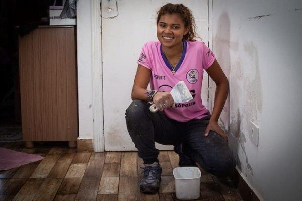 """Jessica Mayra é a """"pedreira gata"""" de Paraisópolis"""