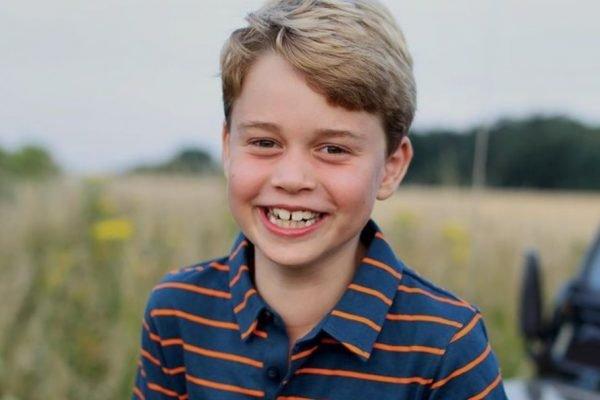 Foto de aniversário oito anos príncipe George