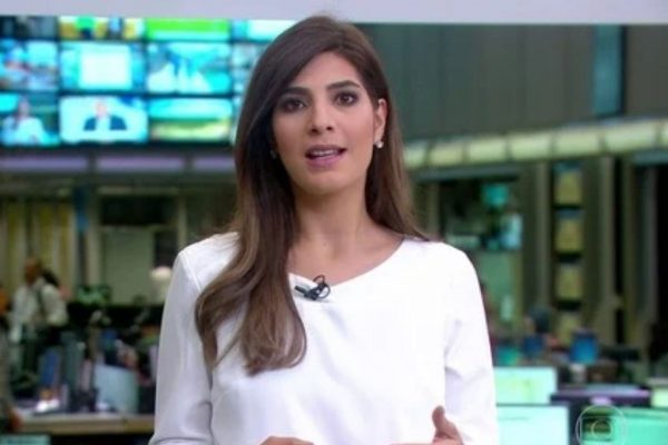 Andréia Sadi